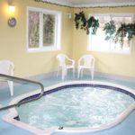 Gateway Inn Hot Tub