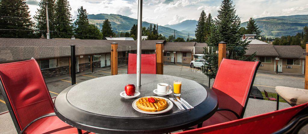 Revelstoke Swiss Chalet Motel