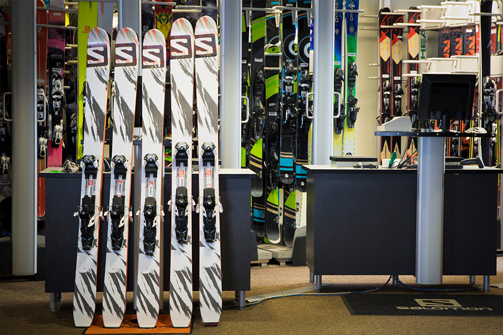 Revelstoke Mountain Resort Ski Rentals